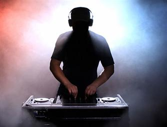 DJ Chrille Ströberg