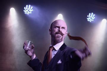 Magic Comedy Alexander Wells